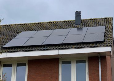 Van Loenen foto dak met panelen
